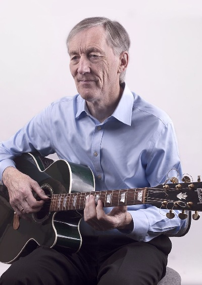 Chris Flegg & The Green Gibson