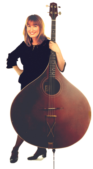 Hilary James & Her Mandobass